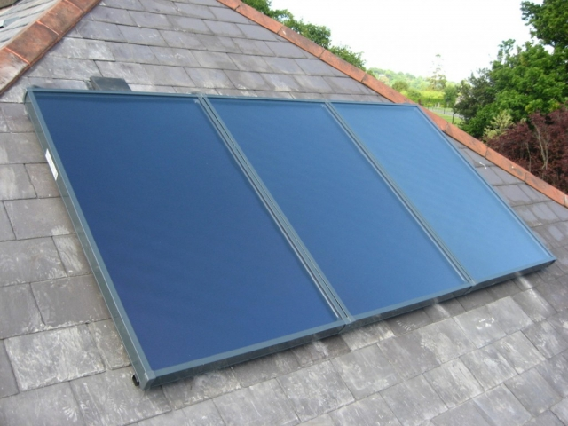 K420 Flat plate panels on natural slate roof, Dungarvan